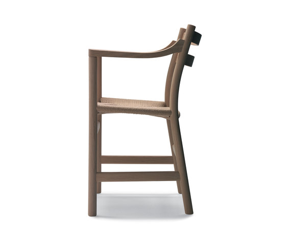CH46 by Carl Hansen & Søn | Restaurant chairs