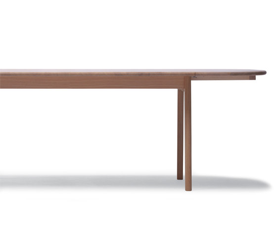 CH002 by Carl Hansen & Søn | Dining tables