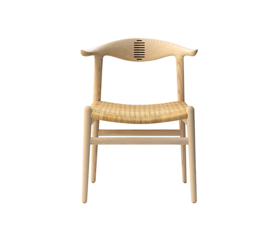 pp505 | Cow Horn Chair by PP Møbler | Church chairs