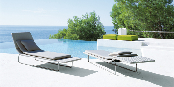 Surf by Paola Lenti | Sun loungers