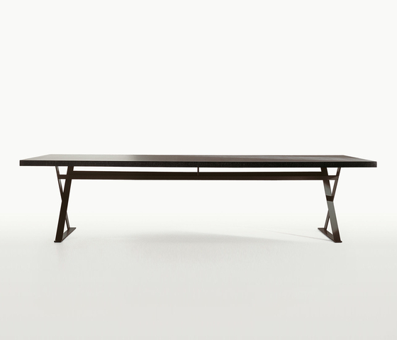 Max by Maxalto | Dining tables