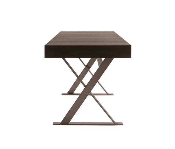 Max by Maxalto | Dining tables