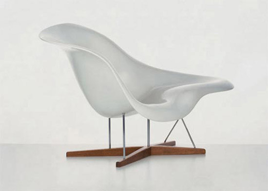La Chaise by Vitra | Chaise longues