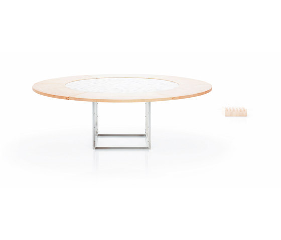 PK54A™ by Fritz Hansen | Restaurant tables