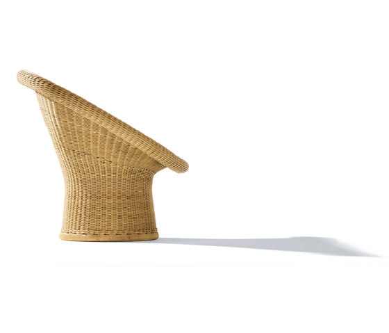 E 10 rattan lounge chair by Richard Lampert | Garden armchairs