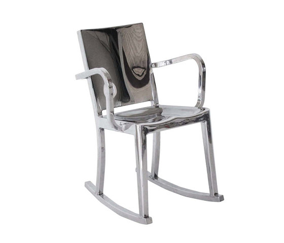 Hudson Rocking chair with arms von emeco | Schaukelsessel / -liegen