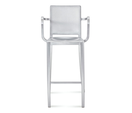 Hudson Barstool with arms di emeco | Sgabelli bar