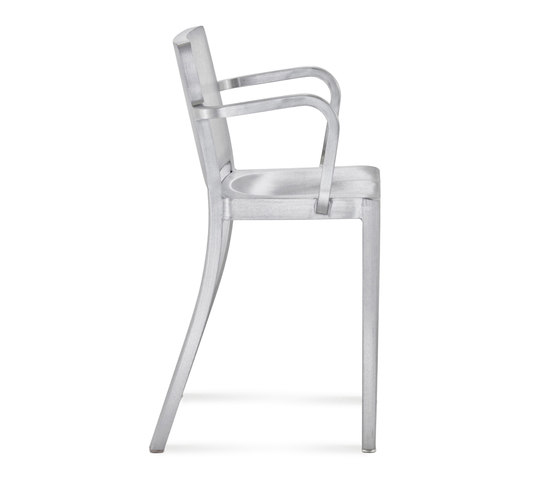Hudson Counter stool with arms de emeco | Taburetes de bar