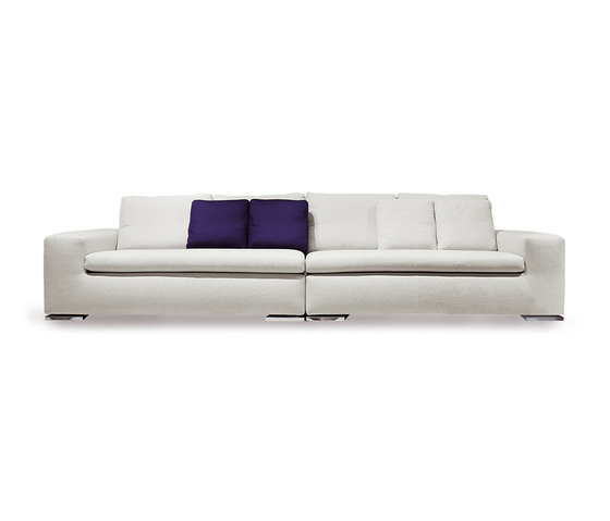 Moore Sofa by Minotti | Lounge sofas