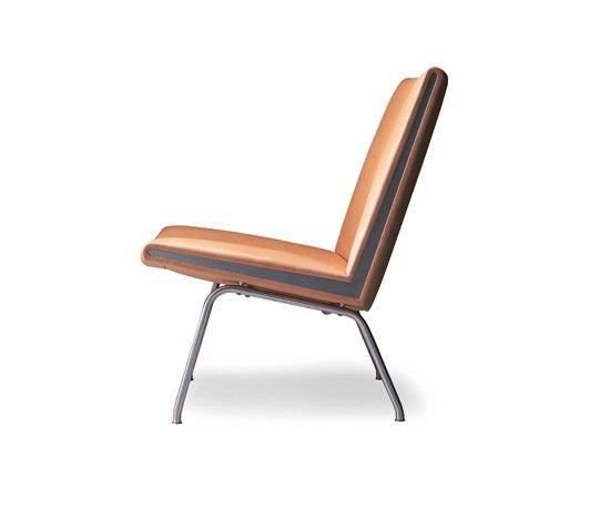CH401 by Carl Hansen & Søn   Lounge chairs