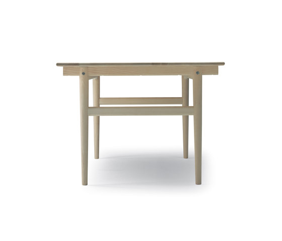 CH327 by Carl Hansen & Søn | Dining tables