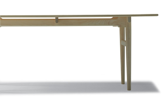 CH327 by Carl Hansen & Søn | Dining tables