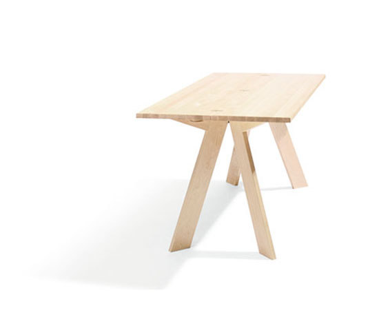 Simsalabim L21 by Blå Station | Dining tables