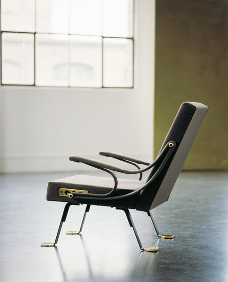 Digamma by Santa & Cole | Lounge chairs