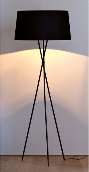 Trípode G5 by Santa & Cole | General lighting
