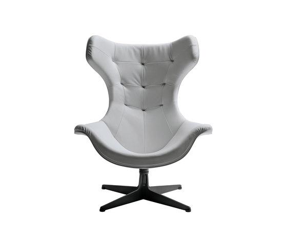 Regina II by Poltrona Frau | Lounge chairs