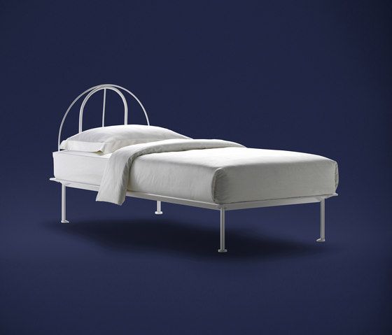 Tappeto Volante Single by Flou | Single beds