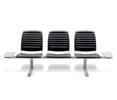 Nomad Upholstered by AKABA | Beam / traverse seating