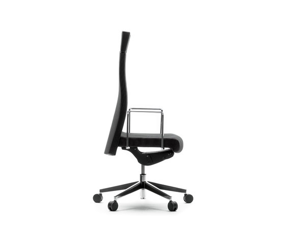 Muga Executive high by AKABA | Executive chairs
