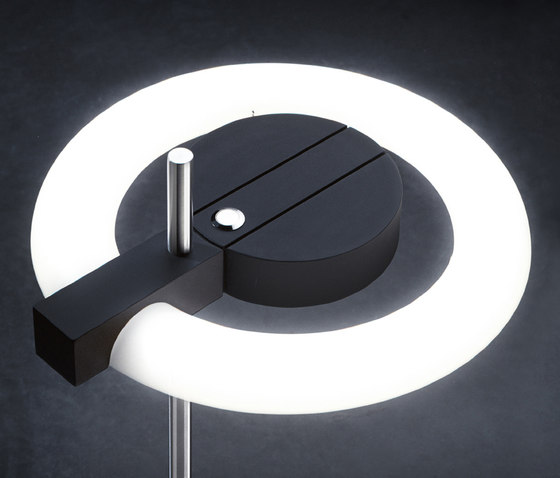Aura 55 Desk by QC lightfactory | General lighting