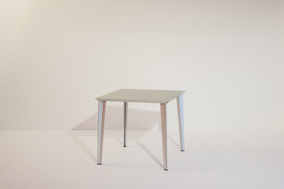 adeco RADAR T15 Aluminium Table by adeco | Dining tables