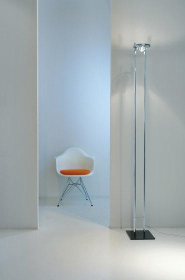 Master Edelstahl handpoliert von Licht im Raum | Standleuchten