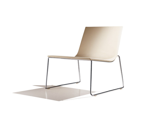 Lineal BU 0588 by Andreu World | Lounge chairs
