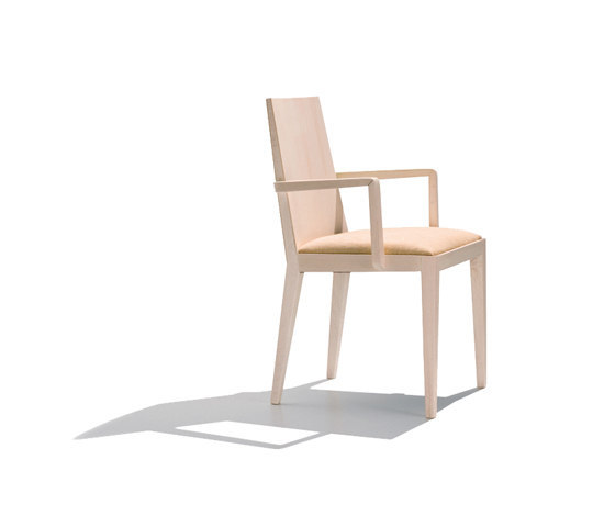 Lynn SO 7202 by Andreu World | Restaurant chairs