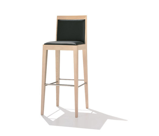Lynn BQ 7157 by Andreu World | Bar stools