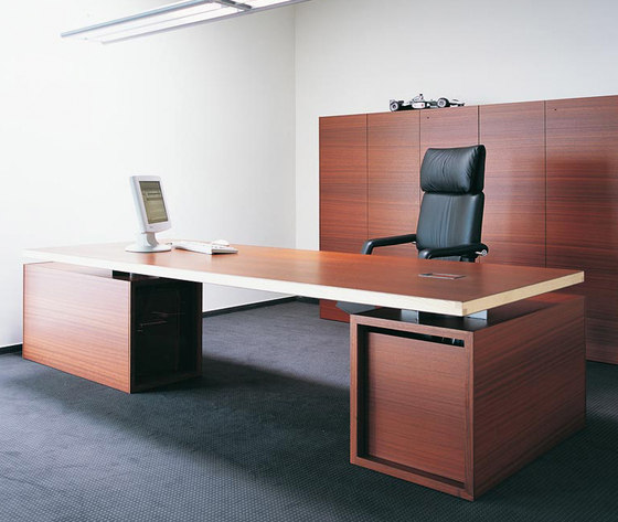 Normal by BULO | Executive desks