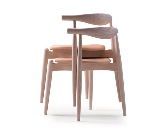 CH20 Elbow Chair di Carl Hansen & Søn | Sedie visitatori