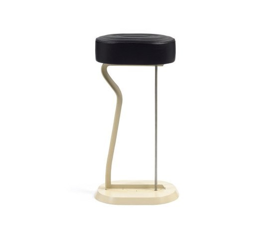 Bar Stool No.2 de ClassiCon | Taburetes de bar
