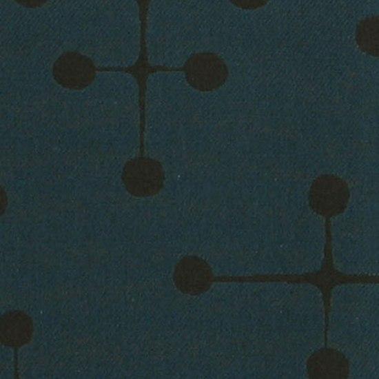 Dot Pattern 005 Navy von Maharam | Stoffbezüge