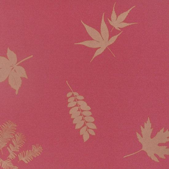 Leaves geranium/gold wallpaper von Clarissa Hulse | Wandbeläge / Tapeten