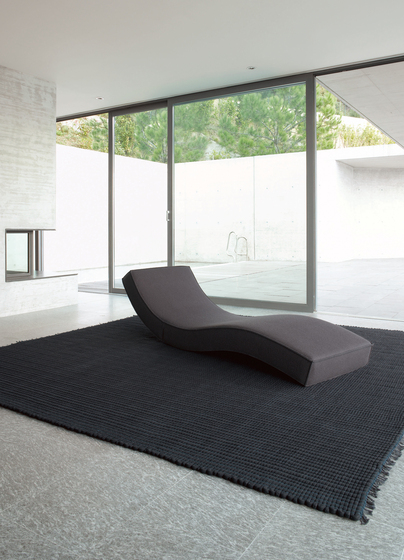 Linea by Paola Lenti | Chaise longues