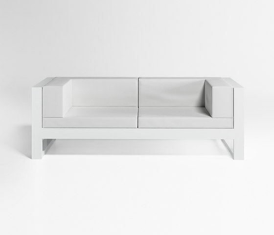 Na Xenema Sofa by GANDIABLASCO | Garden sofas