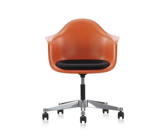 Pacc plastic armchair sedie girevoli da lavoro vitra for Sedie vitra ufficio