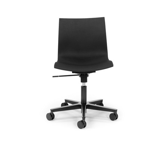 Gimlet | swivel by Mobles 114 | Task chairs