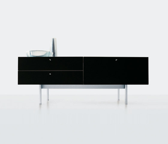 255/256 Flat by Cassina | Sideboards