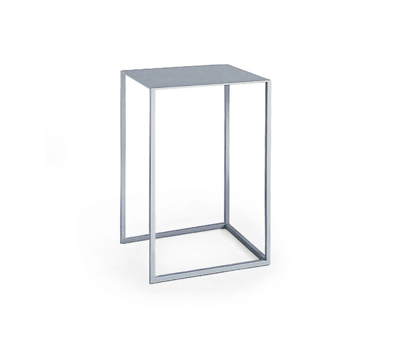 261 Note by Cassina | Side tables