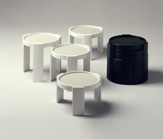 780/783 by Cassina | Side tables