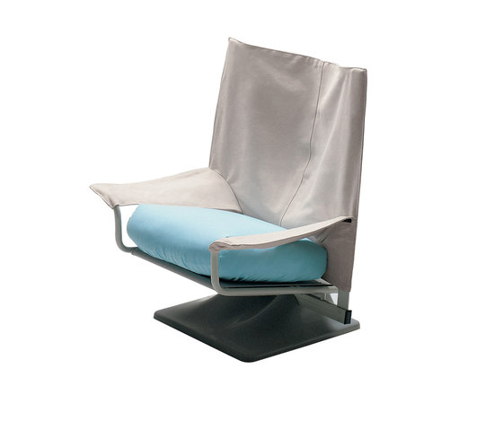 650 Aeo by Cassina | Armchairs