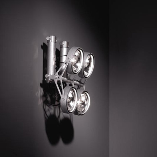 Nomad xyz 4x ARIII / 2x 1TI by Modular Lighting Instruments | Wall-mounted spotlights