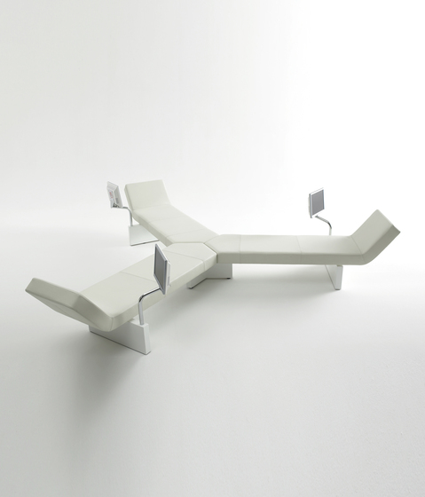 Space bench by Magnus Olesen | Waiting area benches