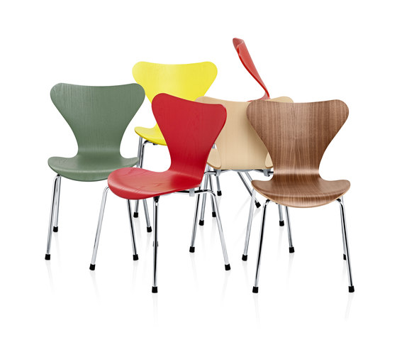 Series 7™ Model 3177 by Fritz Hansen | Children's area