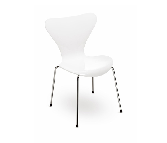 Series 7™ Model 3177 de Fritz Hansen | Children's area