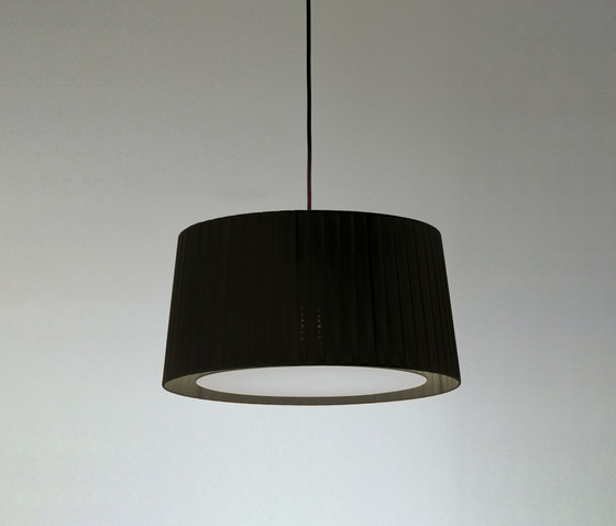 GT5 | Pendant Lamp by Santa & Cole | General lighting