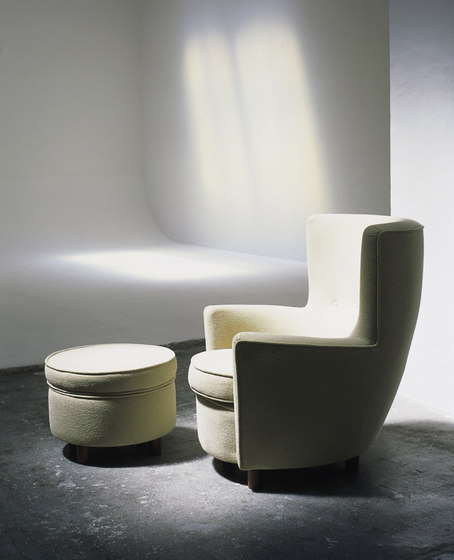 Moragas | Armchair by Santa & Cole | Lounge chairs