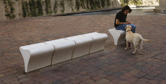 iola by Santa & Cole | Exterior benches