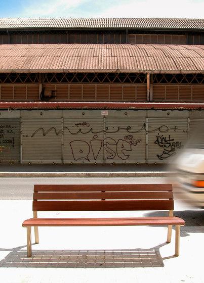 NeoRomántico Clásico by Santa & Cole | Exterior benches